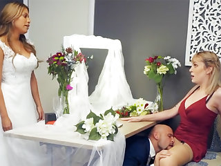 Bridesmaid calm down groom hard lovemaking