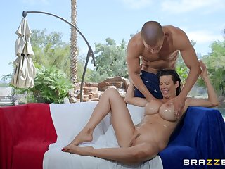 Alexis Fawx oiled her stunning body and pussy for be imparted to murder best cum many times