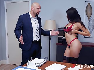 sizzling brunette Stephanie West hot berth sex prevalent hung JMac