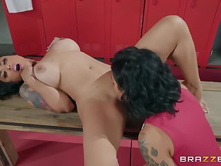 Locker room copulation between two of age lesbians Honey Gold & Kaylani Lei