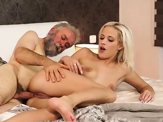 Elderly young creampie Surprise your girlplaymate and she