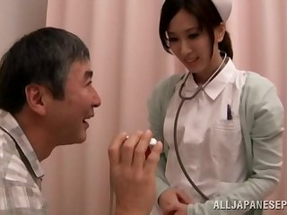 Hot Asian nurse Anna Noma spreads will not hear of legs helter-skelter ride a stiff dick