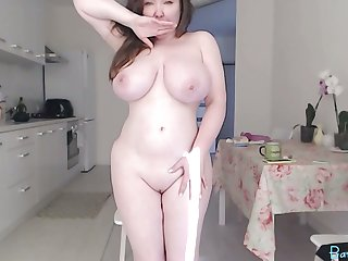 Chubby big tits camgirl in the matter of vibratoy in pussy on webcam