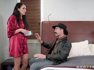 Busty bombshell shady Reagan Foxx wants racy cum in her brashness